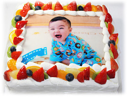 赤ちゃんの1歳の誕生日ケーキ